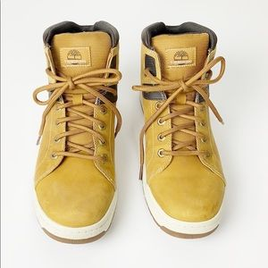 NWOT Timberland Suede Sneaker Boot Size 10